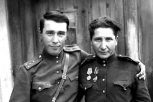 Кенан Кутуб-заде (слева) и Николай Быков. 1943 год.